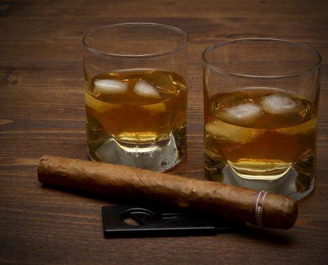 whiskey-3313592_1920